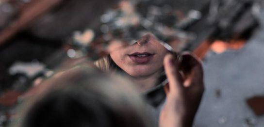 鏡の法則イメージ